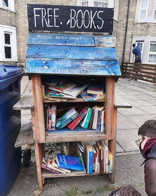a free book stand
