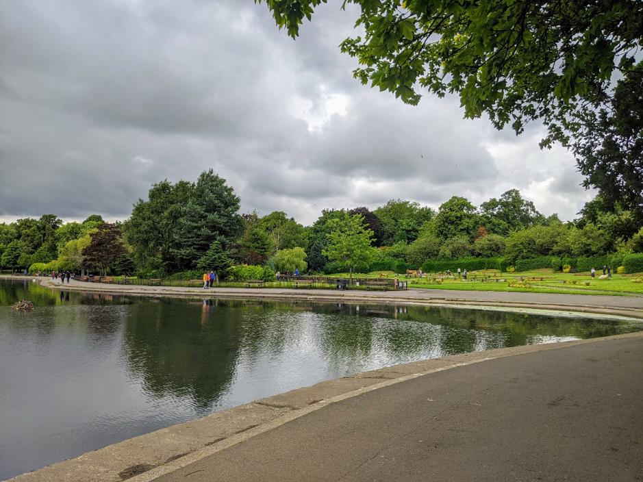 victoria park pond